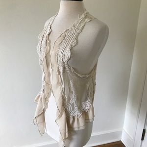 Umgee - lace vest